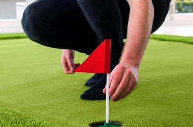 Indoor-Putting-Green-Featured-Image