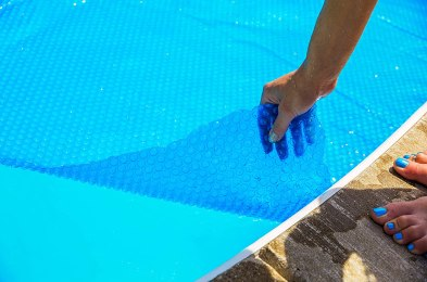 solar-pool-cover-featured-image