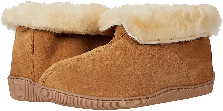Minnetonka Men's Sheepskin Ankle Boots