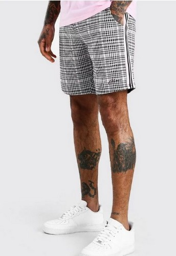 Boohooman plaid shorts