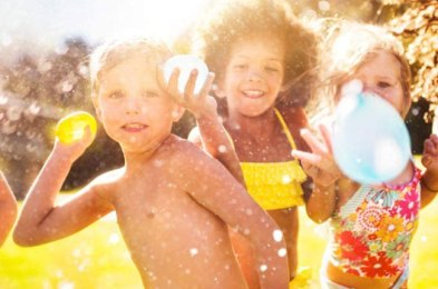 how to throw the best water balloon fight ever for your kids