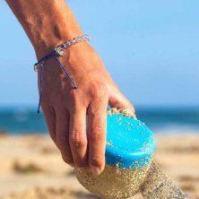 4Ocean-Signature-Blue-Bracelet-lifestyle