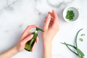 benefits of aloe vera, aloe vera moisturize skin
