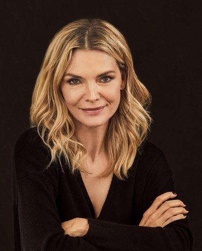 Michelle Pfeiffer head shot