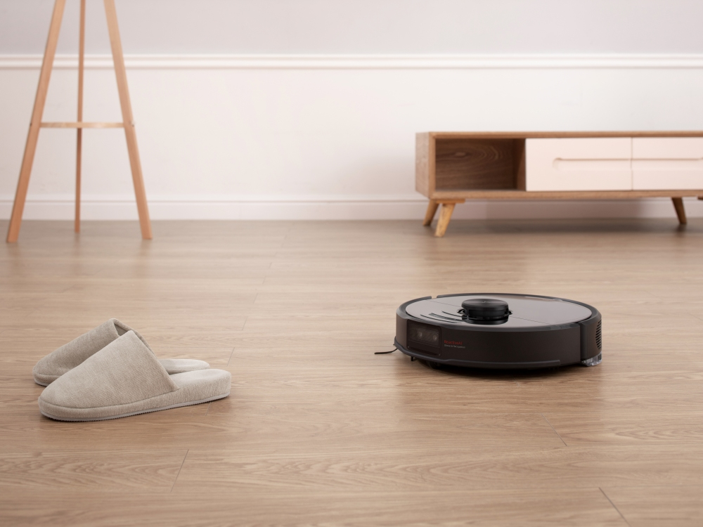 Save Time and Energy With a Smart Vacuum That Cleans for You