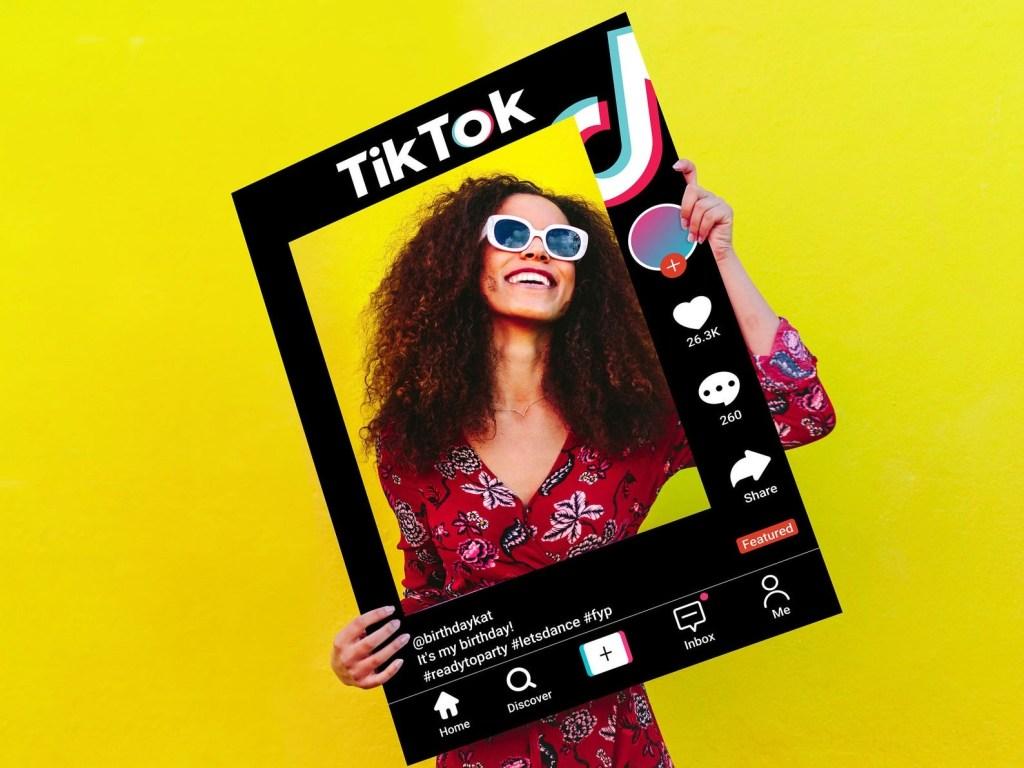 TikTok Star, best cheap halloween costumes