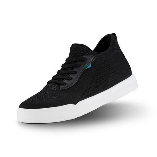 Vessi Weekend Sneaker in black