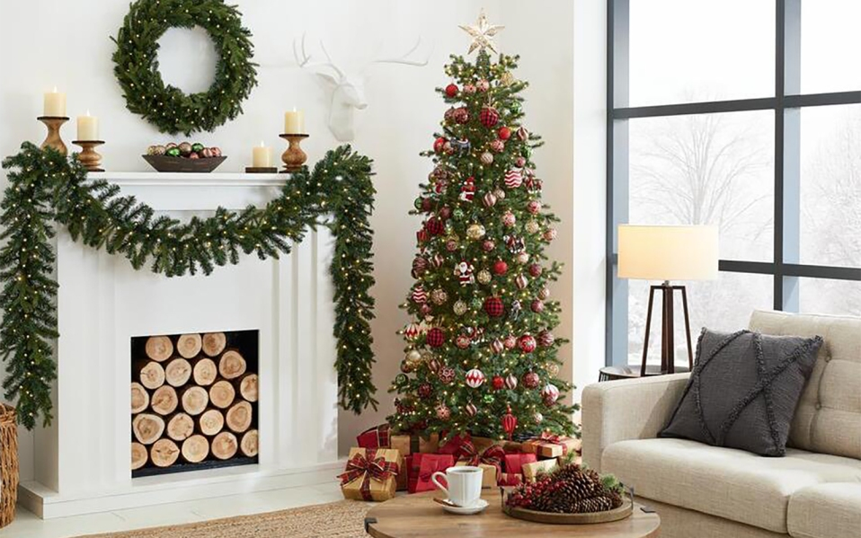 The Best Pre Lit Christmas Trees for the 2020 Holiday Season | SPY