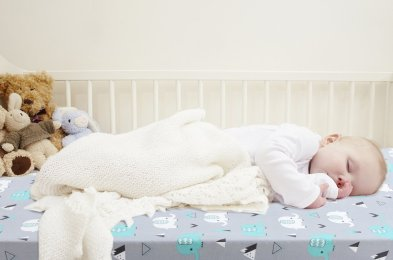 Brolex-Stretchy-Fitted-Crib-Sheets-Set-lifestyle