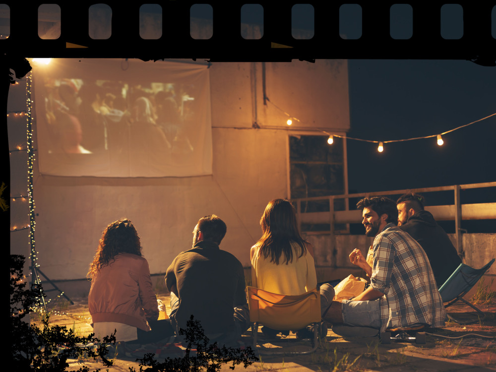 How To Host a Safe and Spooky Halloween Movie Night During the 2020 Quarantine