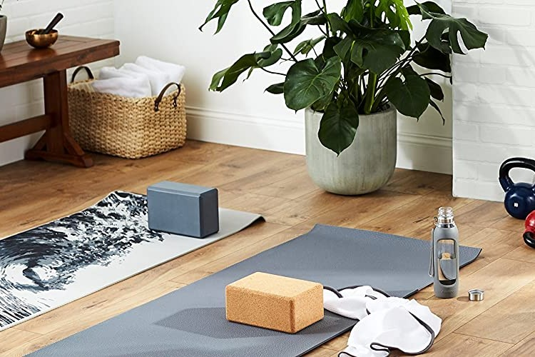 gifts for yogis featured image