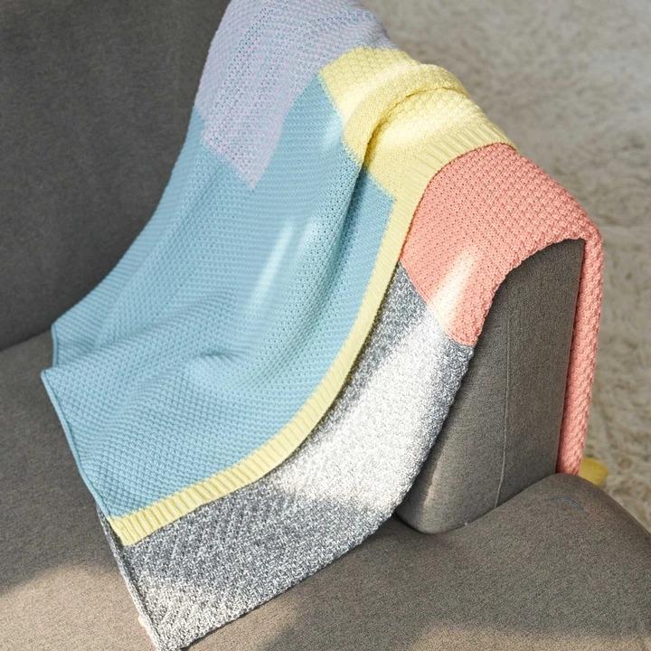 verloop pastel patchwork throw, best gifts for book lovers