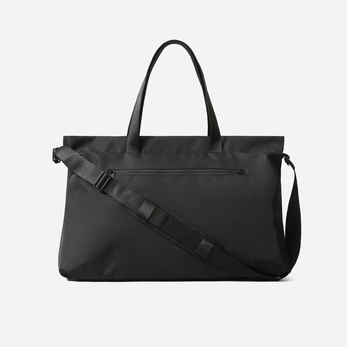 Everlane The ReNew Transit Weekender; best weekender bags