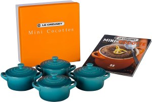 gifts for bakers le creuset