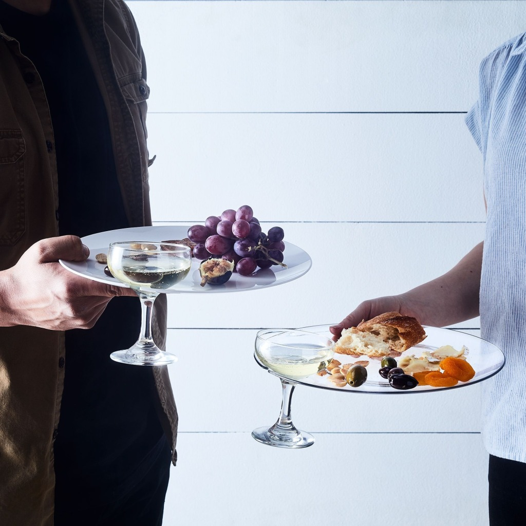 Outdoor Italian Party Plates With Stemware Holder by Mepra