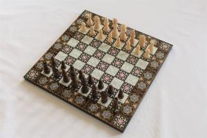 Wooden Mosaic Patterned Chess Set, best chess set