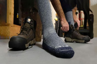 the best thermal socks for keeping your feet warm all winter long