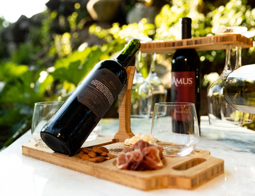 Sommelier Stand by Left Coast Original
