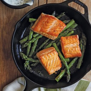 Lodge cast iron skillet, best Christmas gifts