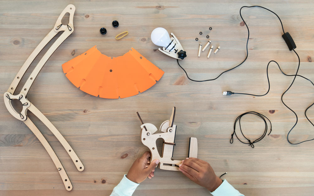 electronic learning kit subscription box