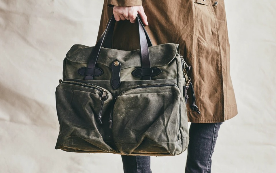 filson-24-hour-briefcase-lifestyle