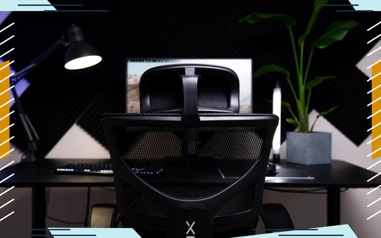 mavix m7 gaming chair photo of back looking at monitor