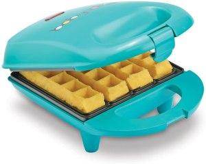 mini waffle maker babycakes