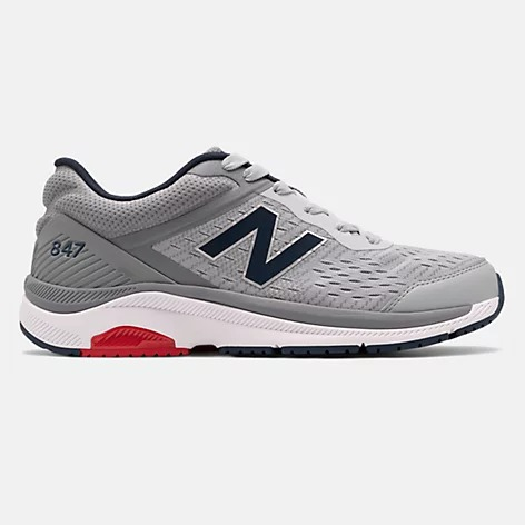 New-Balance-847v4 walking shoe in gray black