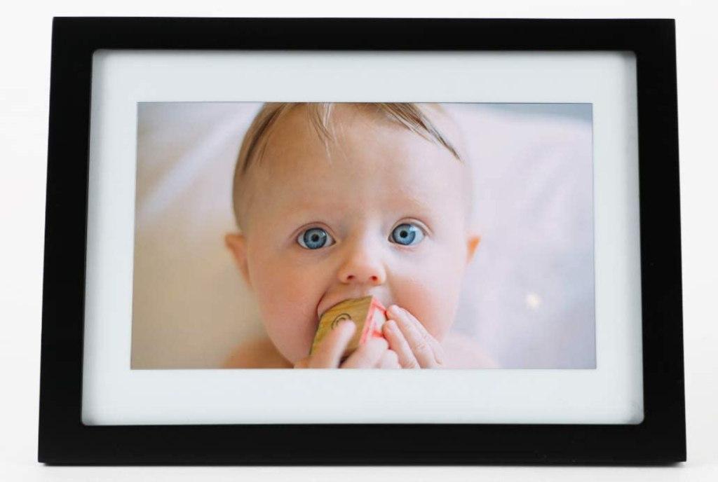Skylight digital picture frame