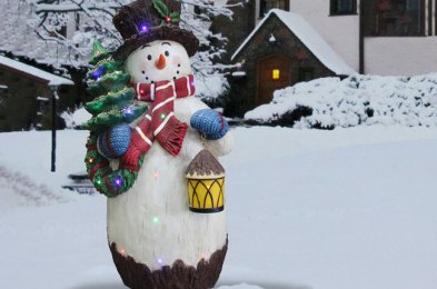 it's the most wonderful time of the year for buying discounted christmas decorations