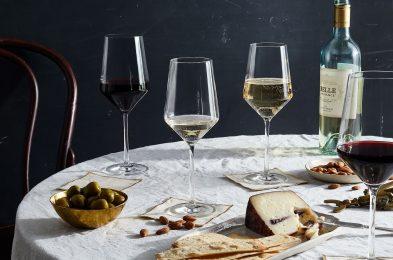 cac57511-1b68-465e-8034-ededc483d556-2019-0920_fortessa_schott-zweisel-pure-wine-glasses_1x1_bobbi-lin_18867