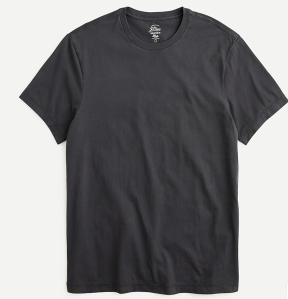 Broken-in short-sleeve T-shirt