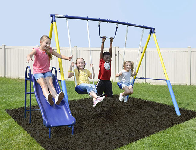 The 10 Best Backyard Swing Sets for Exercise & Outdoor Play in 2021 | SPY