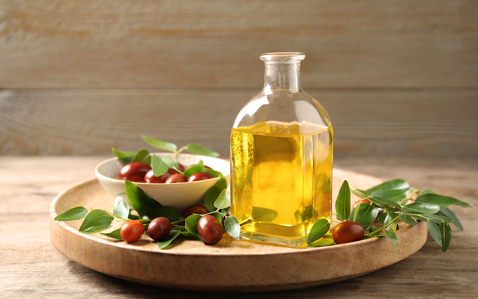 12 Best Jojoba Oil Products For Your Daily Grooming Routine | SPY