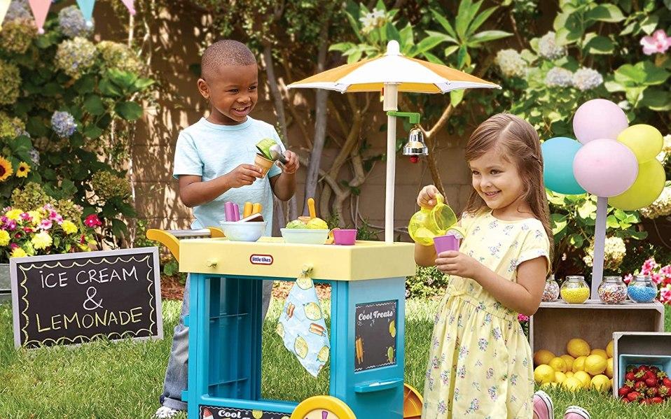 Little Tikes 2-in-1 Lemonade Stand