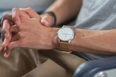 Nomatic-watch-lifestyle