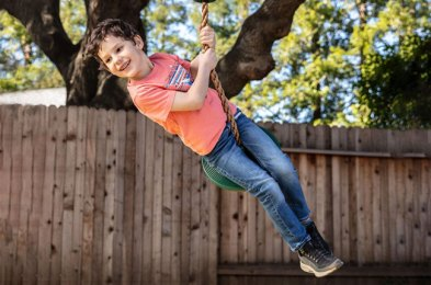 tree swings are a backyard must-have and kids and adults alike