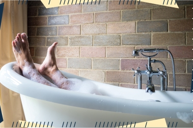 how-to-clean-a-bathtub-featured