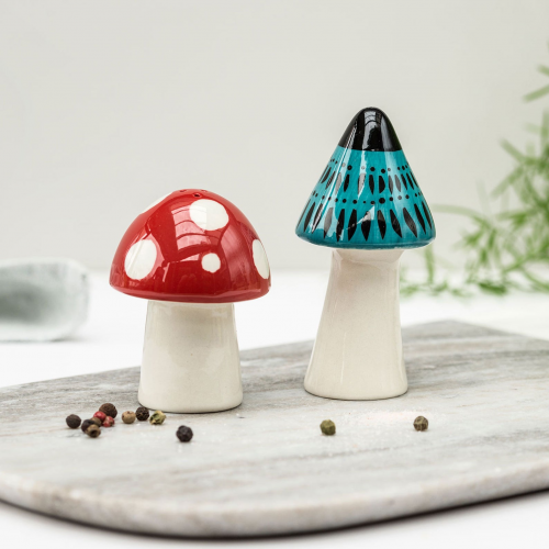 toadstool salt and pepper shakers