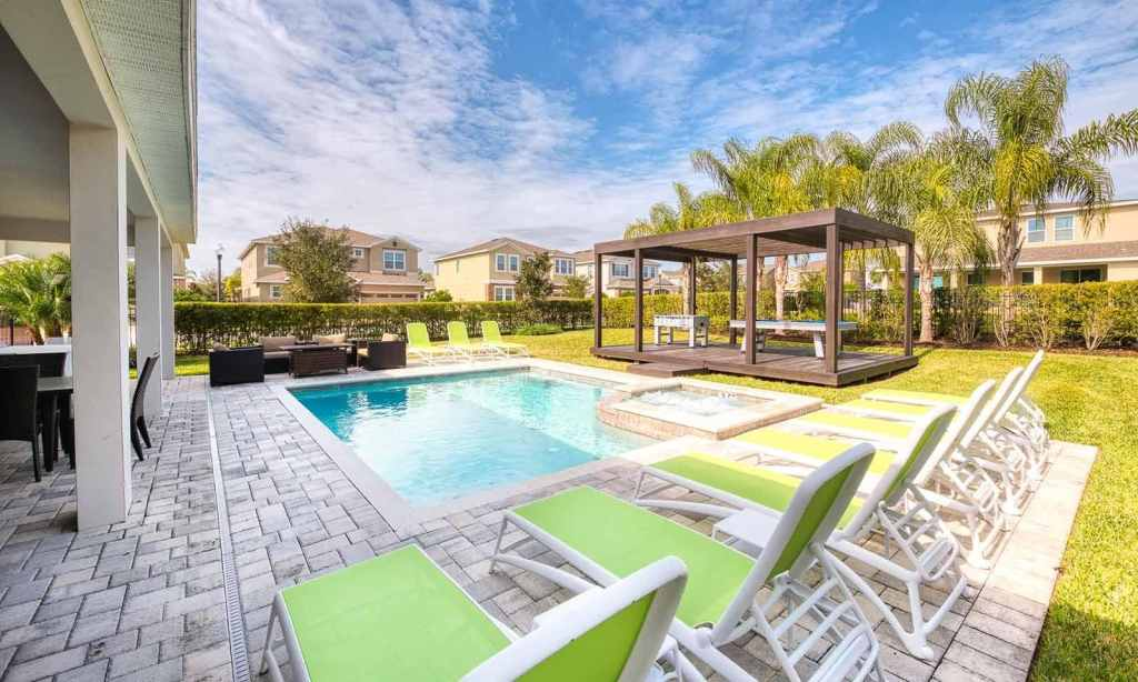 florida vacation homes with pools