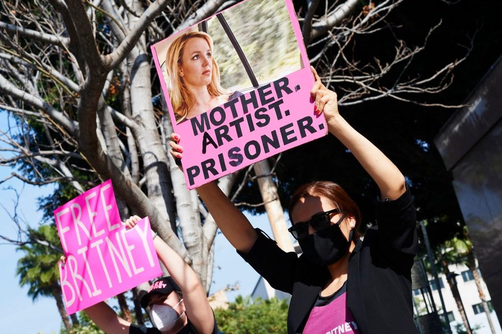 free britney protestors in los angeles