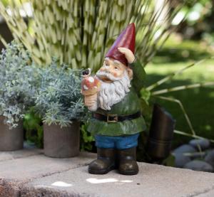 alpine corporation gnome, lawn gnomes