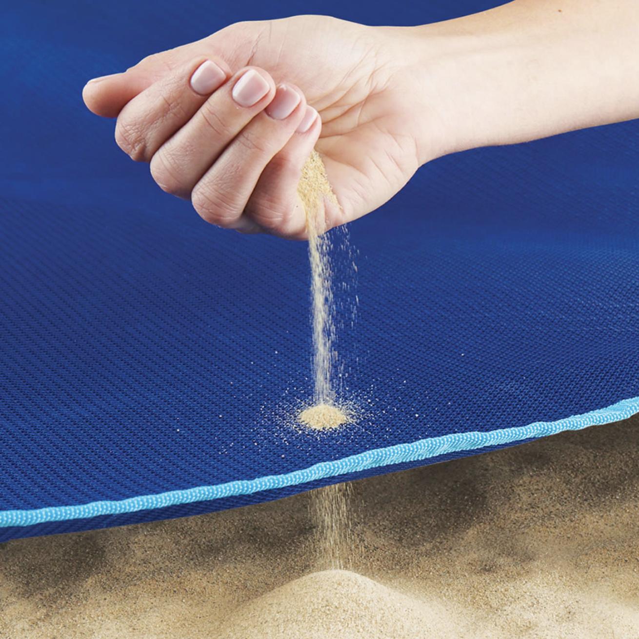 Hammacher SchlemmerFour Person Sandless Beach Mat