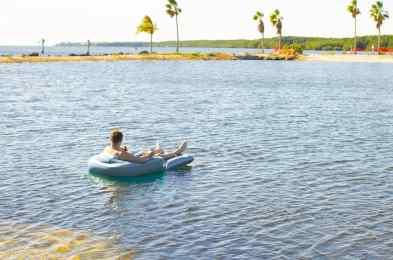 PoolCandy-Splash-Runner-Motorized-Pool-Lounger-header