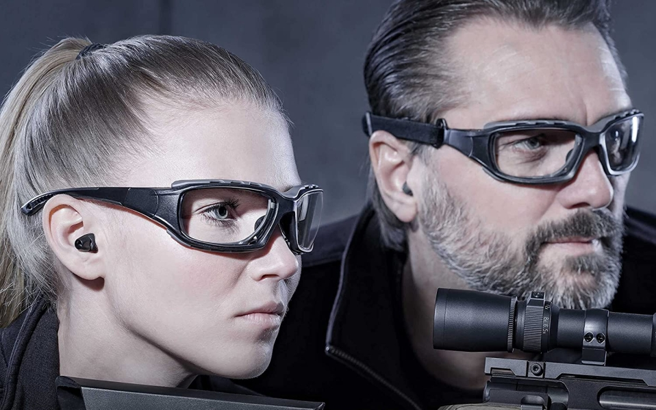 Woman and man wear SolidWork Shooting