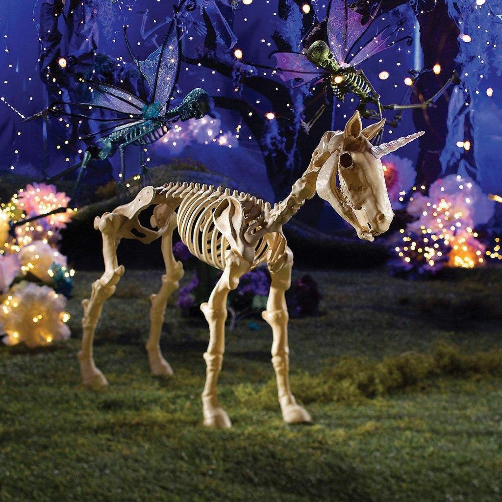 29. Fun Express Large Dragon Skeleton