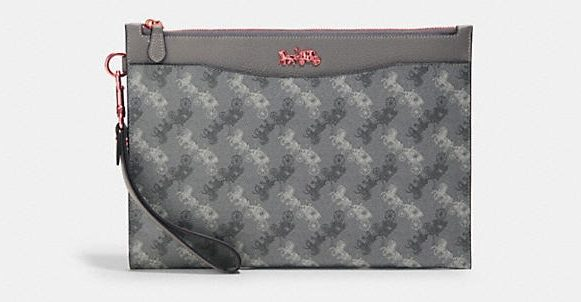 Coach-Hitch-Pouch-With-Horse-and-Carriage-Print