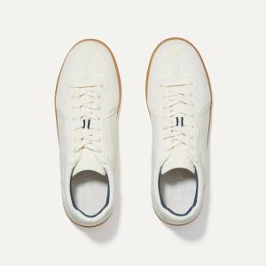 Rothy's RS01 sneaker, eco-friendly plastics