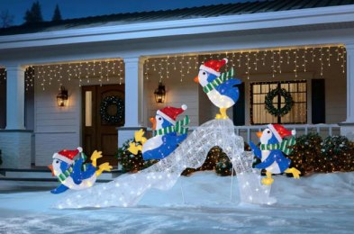 go all out this christmas with these eye-catching outdoor decorations