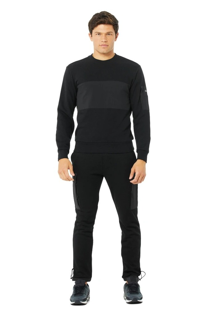 Alo-Yoga-Traverse-Pullover-and-Joggers